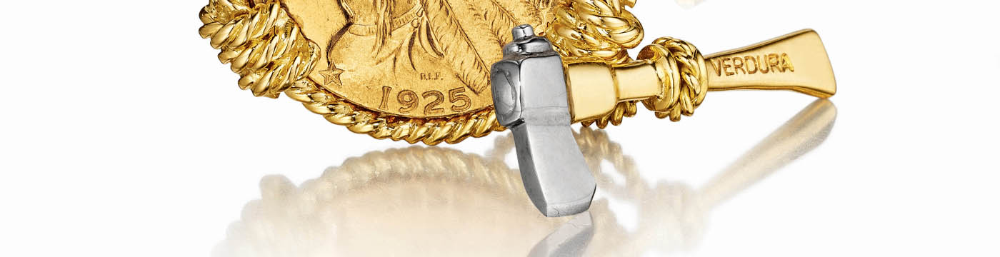 Verdura-Jewelry-Five-Buck-Cufflinks-closeup