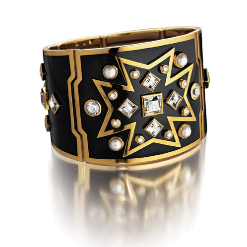 Verdura-Jewelry-Chevalier-Cuff-Diamond-Enamel