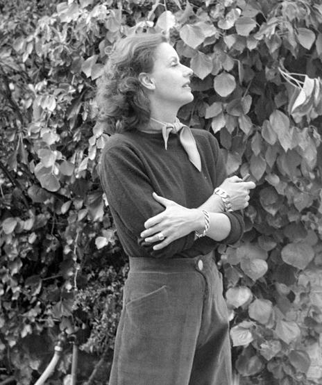 Verdura-Jewelry-Curb-Link-Bracelet-Watch-Greta-Garbo-1948