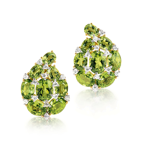 Verdura-Jewelry-Paisley-Earclips-Gold-Peridot