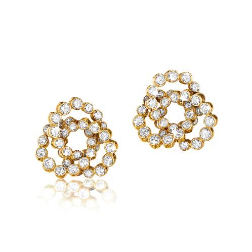 Verdura-Jewelry-Trefoil-Earclips-Diamond-Gold