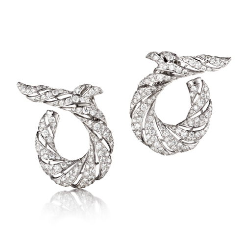 Verdura-Jewelry-Twisted-Horn-Earclips-Diamond-Platinum