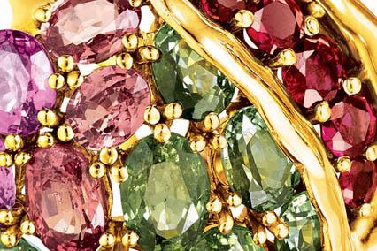 Verdura-Jewelry_Pomegranate-Earclip