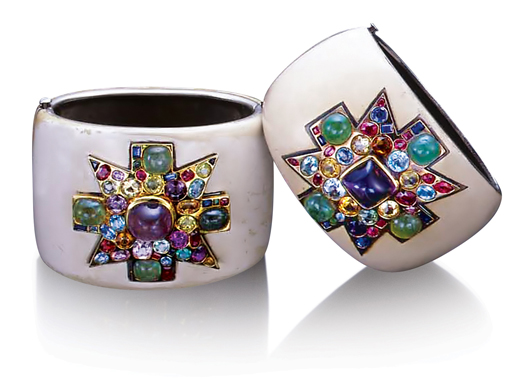 Verdura-Jewelry-Coco-Chanel-Maltese-Cross-Cuffs