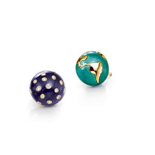 Verdura-Jewelry-Night-and-Day-Earstuds-Gold-Diamond-Enamel